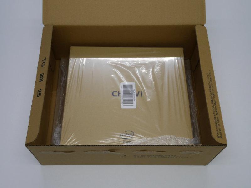 CHUWI HeroBoxの外箱