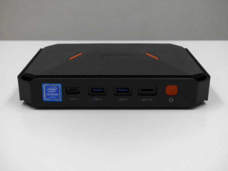 CHUWI HeroBoxの本体外観・前面ポート類