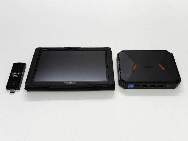 スティックPC、タブレットとHeroBoxを並べたところ