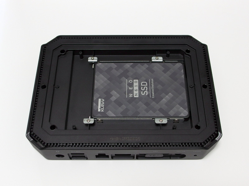 SSDをHeroBoxに装着する
