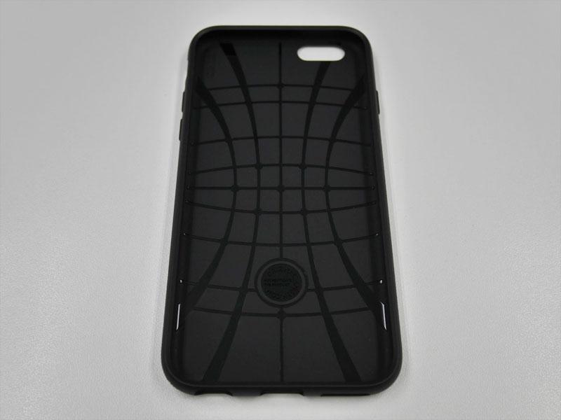 Spigen Liquid Armor for iPhone 6s 裏面