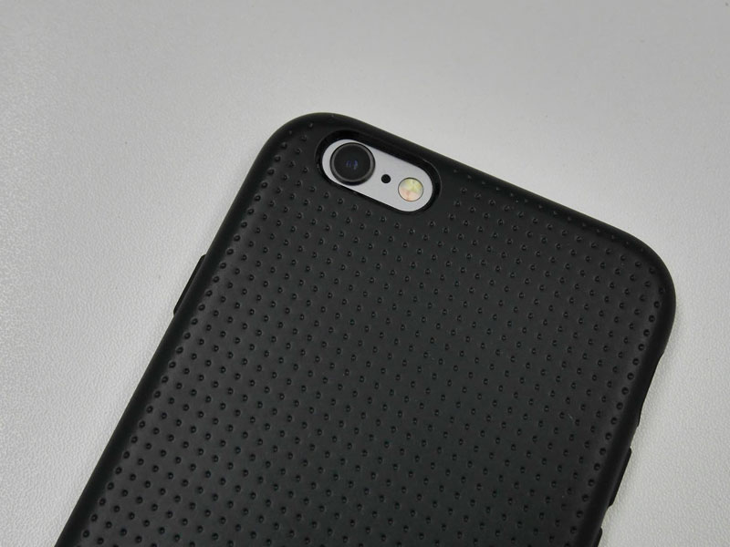 Spigen Liquid Armor for iPhone 6s カメラ部分