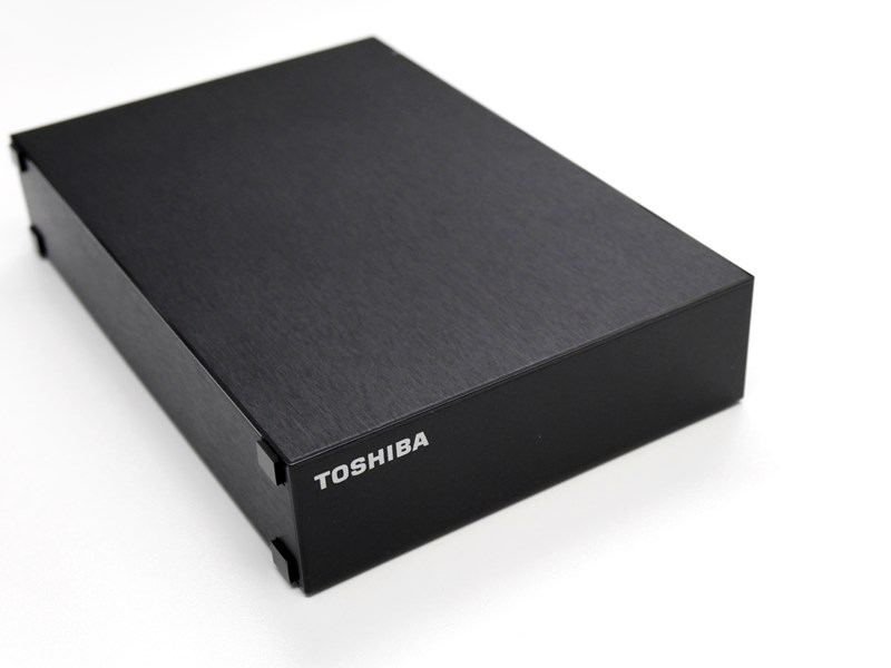 TOHSHIBA Canvio Desktop HD-TDA4U3の外観