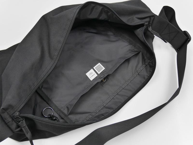 ユニクロU ショルダーバッグ 内ポケット